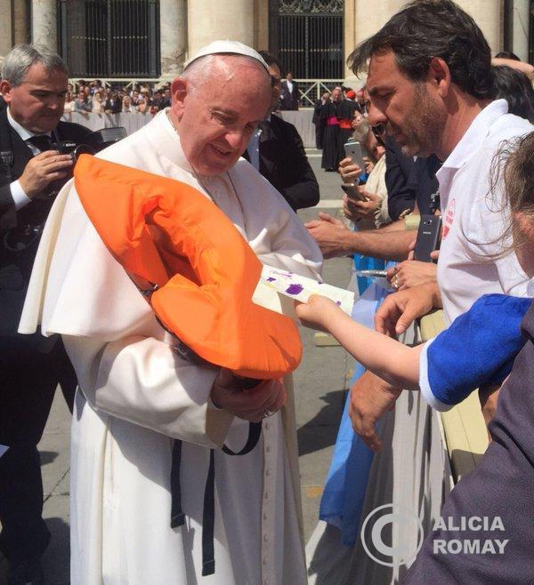 El chaleco ya lo tiene el Papa.