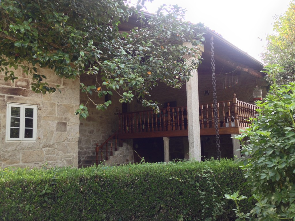 Uno de los porches del Pazo as Casas